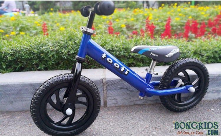 Xe thăng bằng cho bé Tooti VN2 màu xanh dương
