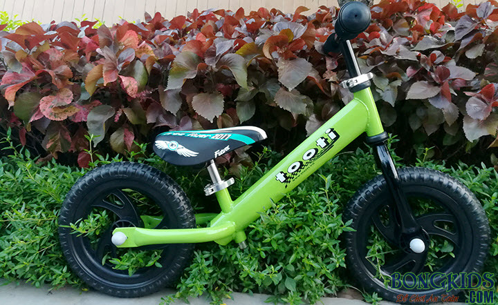 Xe thăng bằng cho bé Tooti VN2 màu xanh cốm