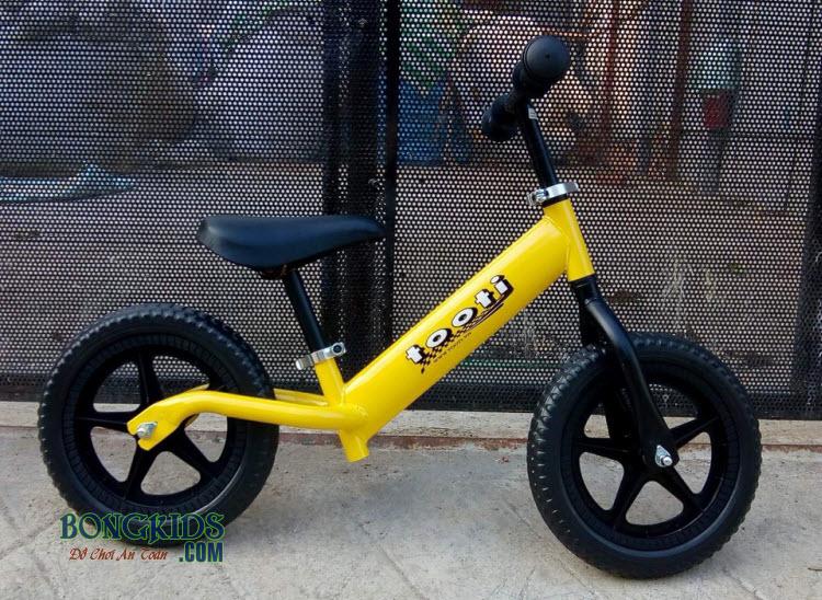 Xe thăng bằng cho bé Tooti Pro màu vàng