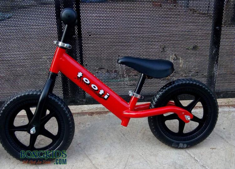 Xe thăng bằng cho bé Tooti Pro màu đỏ