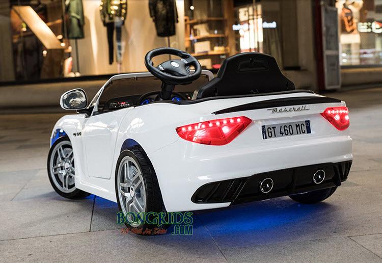 Xe hơi điện trẻ em Maserati CT-528 màu trắng