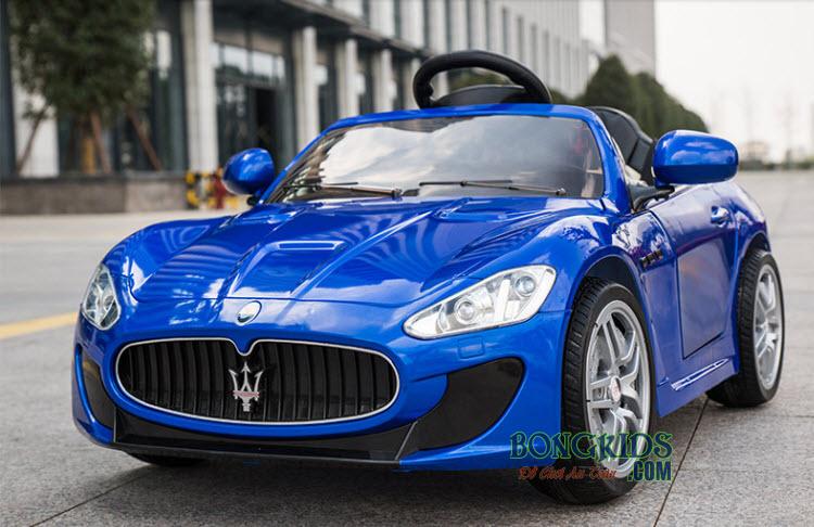Xe hơi điện trẻ em Maserati CT-528 màu xanh