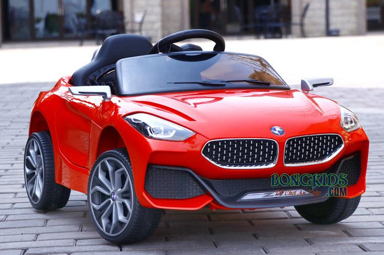 Xe ô tô điện trẻ em Z4 màu đỏ