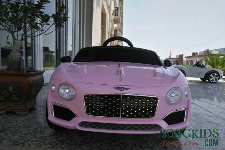 Xe ô tô điện trẻ em Bentley 8203 màu hồng