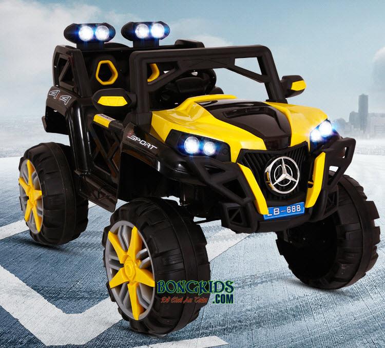 Xe ô tô điện trẻ em LB-688  màu vàng
