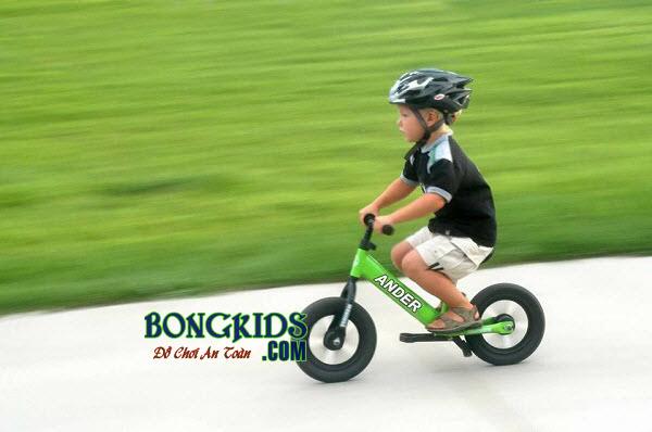 Xe thăng bằng Ander Pro cho bé màu xanh là món quà tuyệt vời cho bé yêu