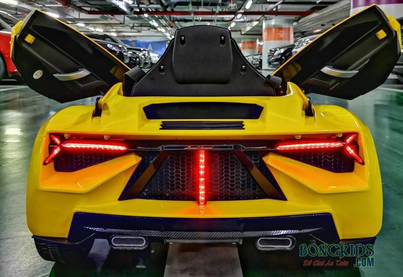Xe ô tô điện trẻ em Nel-603 màu vàng