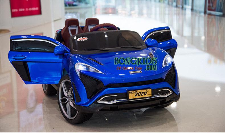 Xe hơi điện trẻ em 2020 màu xanh cá tính