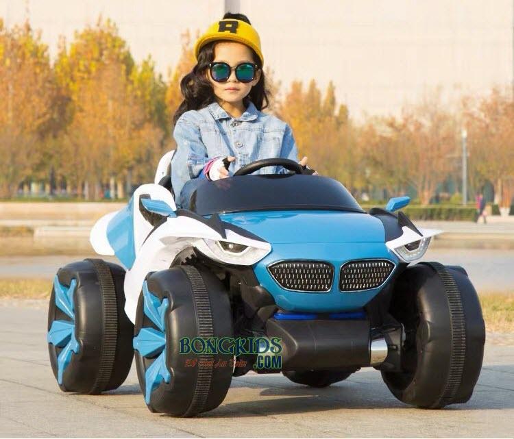 Xe ô tô điện trẻ em XJL-688 màu xanh