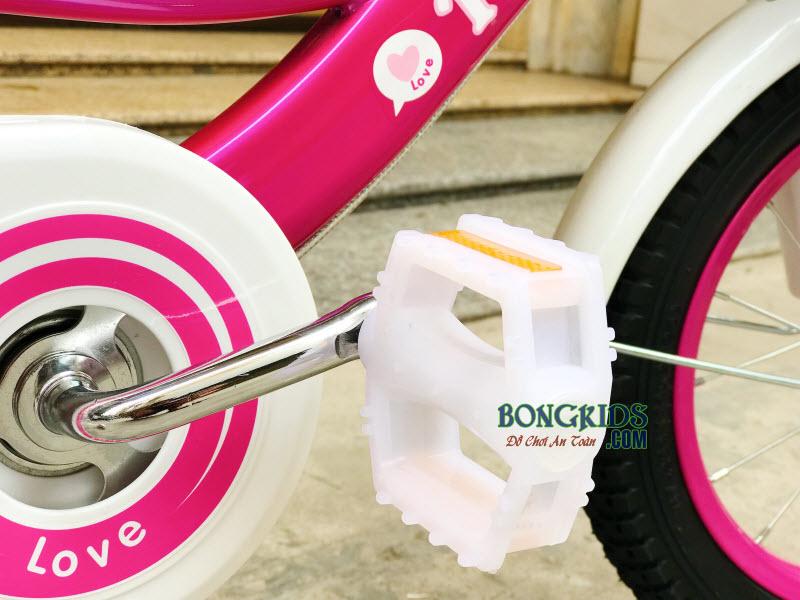 Bàn đạp xe cho bé
