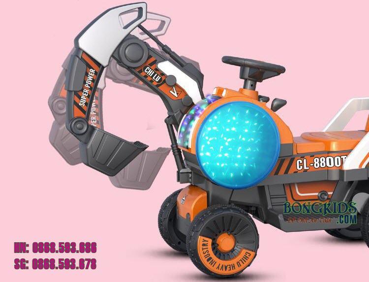 Xe cần cẩu điện trẻ em 8800 màu cam