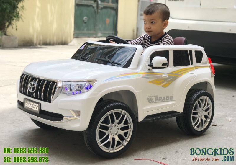 Xe ô tô điện cho bé WN601 7