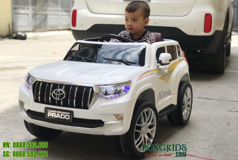 Xe ô tô điện cho bé WN601