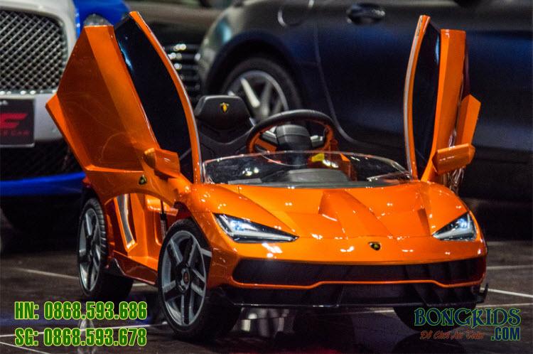Xe ô tô điện trẻ em Lamborghini 6726R màu cam