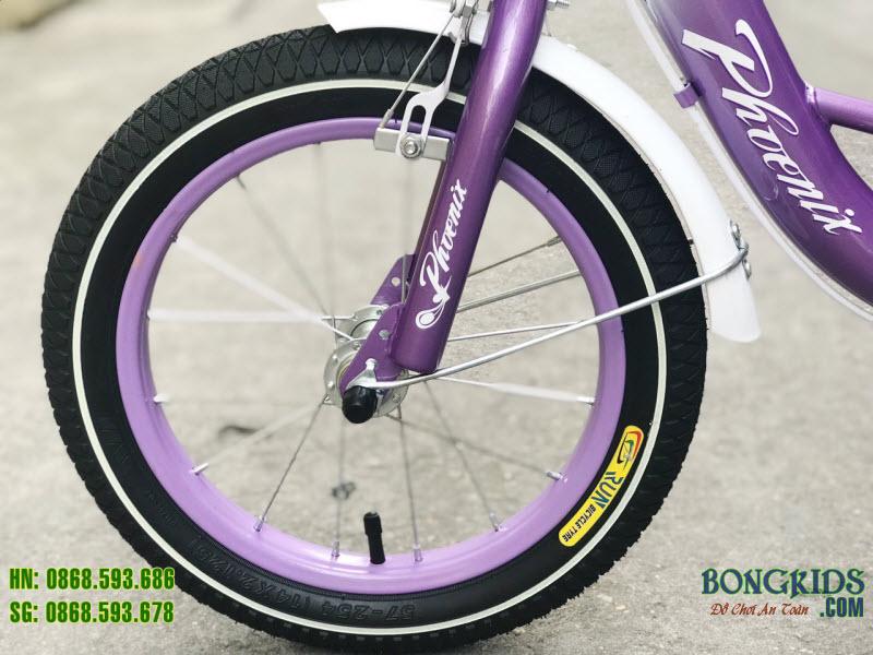 Xe đạp cho bé gái xinh xắn