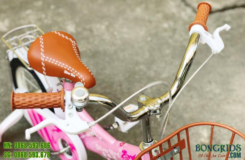 Xe đạp cho bé gái 2 tuổi