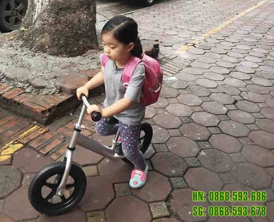 Xe thăng bằng cao cấp cho bé