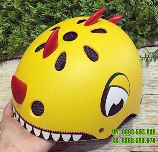 Mũ bảo hiểm khủng long màu vàng