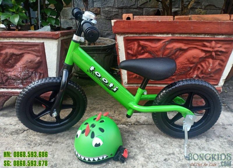 Combo xe thăng bằng Tooti Pro + mũ bảo hiểm + chuông + chân chống + dụng cụ vặn ốc 1