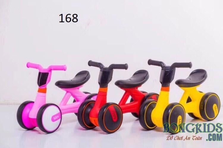 Xe chòi chân trẻ em 168