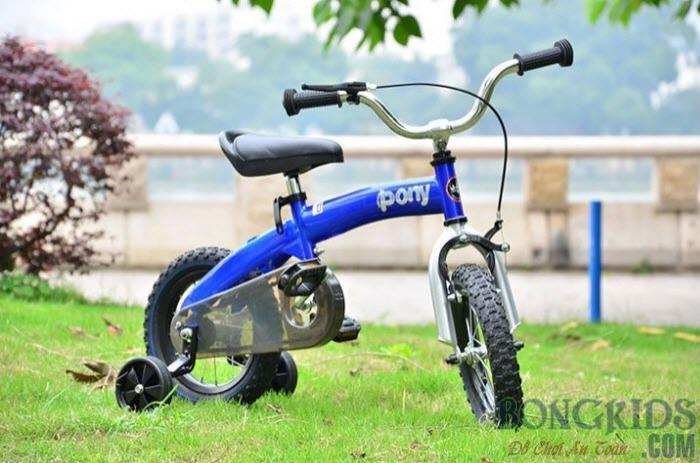Xe đạp trẻ em royalbaby màu xanh dương