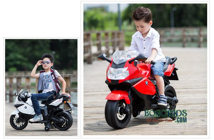 Bé trai đi xe máy điện trẻ em K1300S