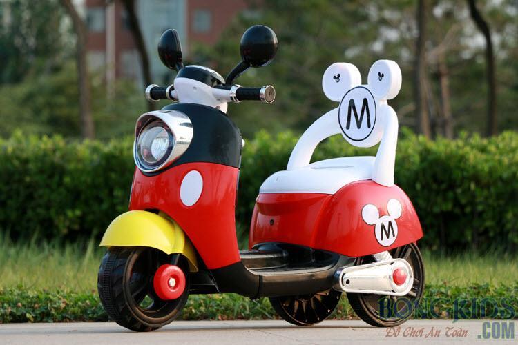 Xe máy điện trẻ em Vespa 6688M màu đỏ