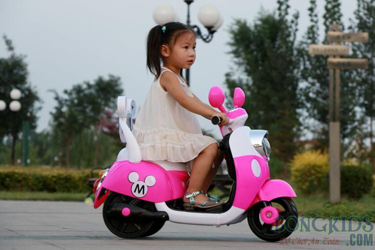 Xe máy điện trẻ em Vespa 6688M
