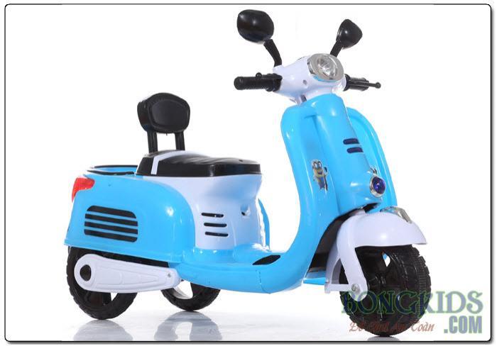 Xe máy điện trẻ em Vespa cổ màu xanh