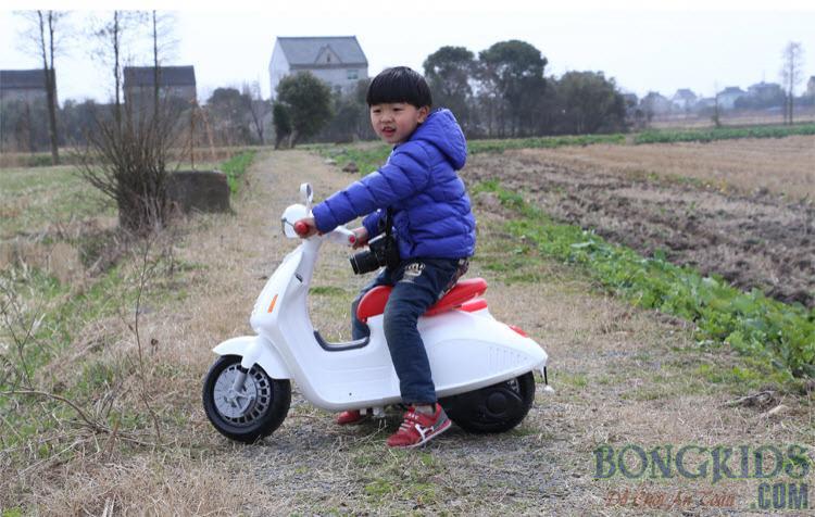 Xe máy điện trẻ em Vespa YH-8820 2