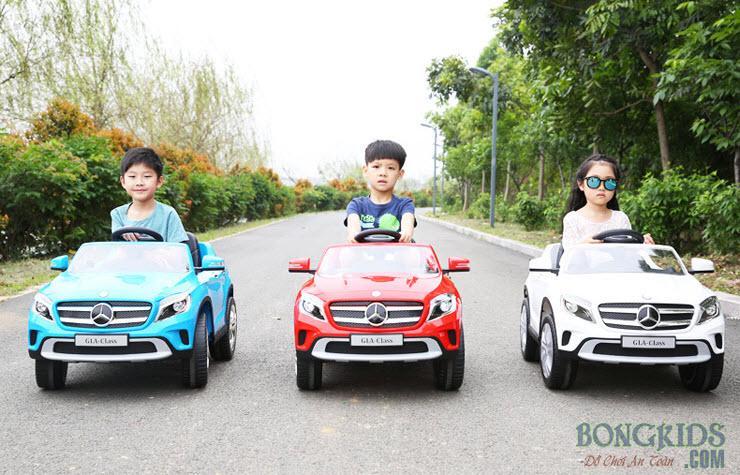 Xe ô tô điện trẻ em 653R các màu