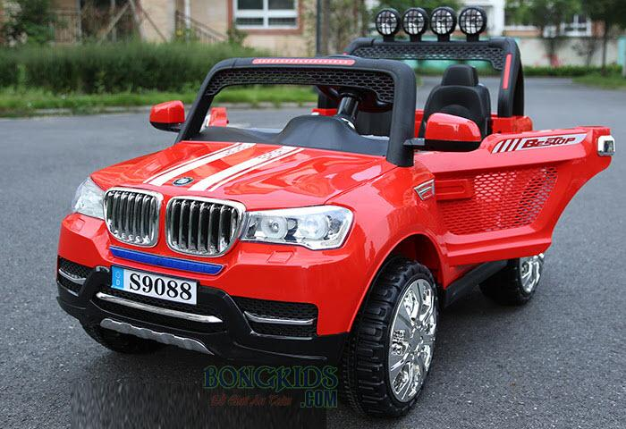 Xe ô tô điện trẻ em S-9088 (4 động cơ) màu đỏ mở cánh
