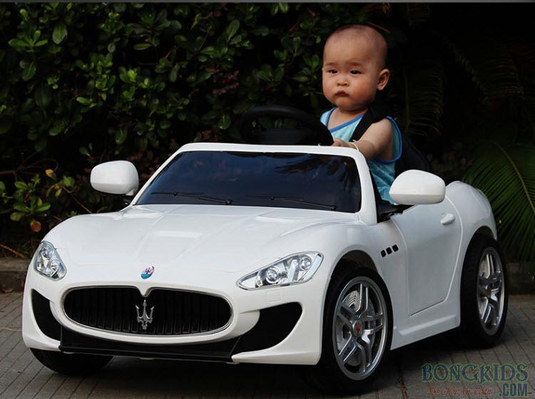 Xe ô tô điện trẻ em YH-6388 trắng