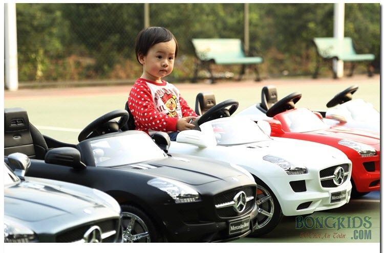 Xe ô tô điện trẻ em Mercedes 681R các màu