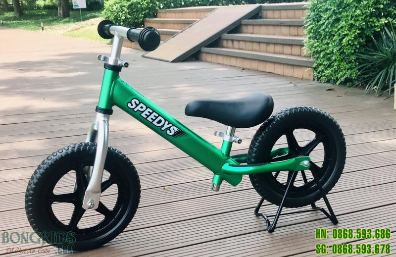 Xe thăng bằng cho bé SPEEDYS xanh lá